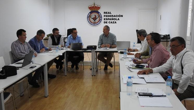 Federaciones y Artemisan dialogan con el MITECO sobre fechas de cría, migración y caza