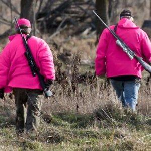Legalizan el uso de prendas rosas para cazar en Illinois