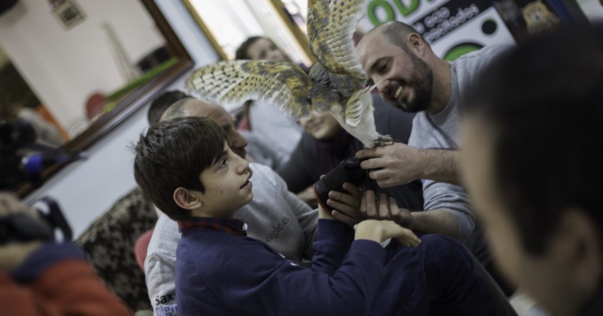 Cetreros alicantinos realizan terapias altruistas con discapacitados