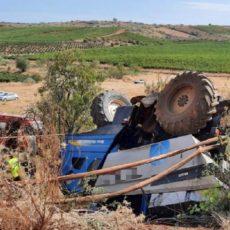 Un agricultor muere aplastado por su vendimiadora en Zaragoza