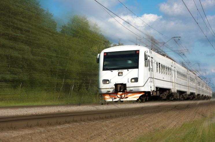Diseñan un tren que ladra y berrea para espantar a los ciervos