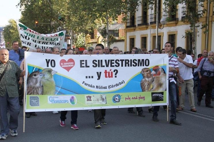 unidos-podemos-pide-gobierno-prohibicion-silvestrismo
