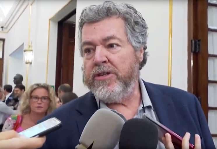 El anticaza Uralde podría formar parte del Gobierno si Sánchez logra ser investido