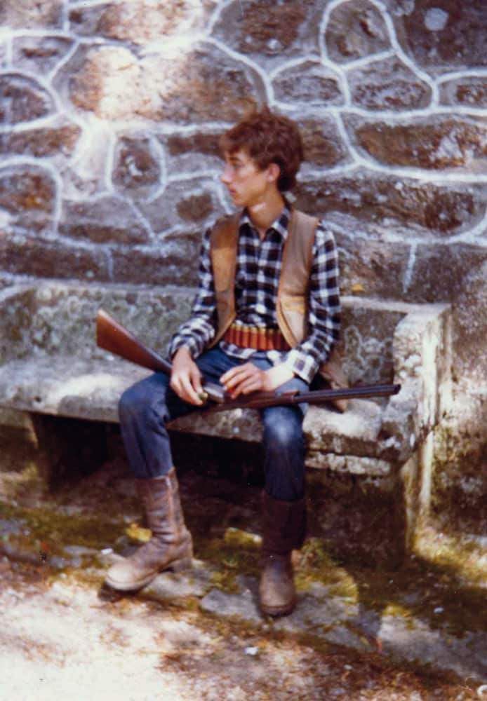 El autor en una de sus primeras salidas para cazar zorros. © Innova Ediciones